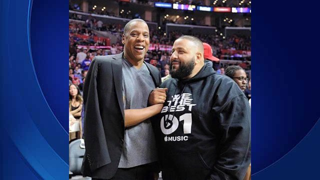 DJ Khlaed and Jay-Z courtside at the Warriors x Clippers game | Source: DJ Khaled Facebook Page