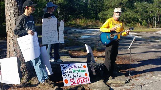 'Pro-white,' anti-KKK groups face off at Georgia landmark