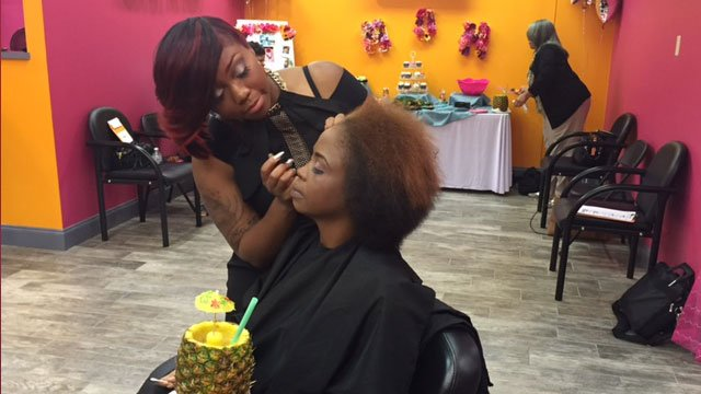 Veronica Luster gets dolled up at Colour Me Badd's Mother's Day event. The day honored mothers who have lost children.  Source: WGCL