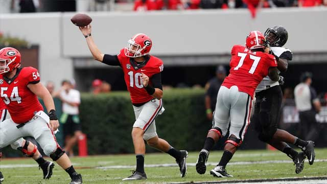 Georgia quarterback Jacob Eason (10) throws against Vanderbilt in the first half of an NCAA college football game Saturday, Oct. 15, 2016, in Athens, Ga. (AP Photo/John Bazemore)