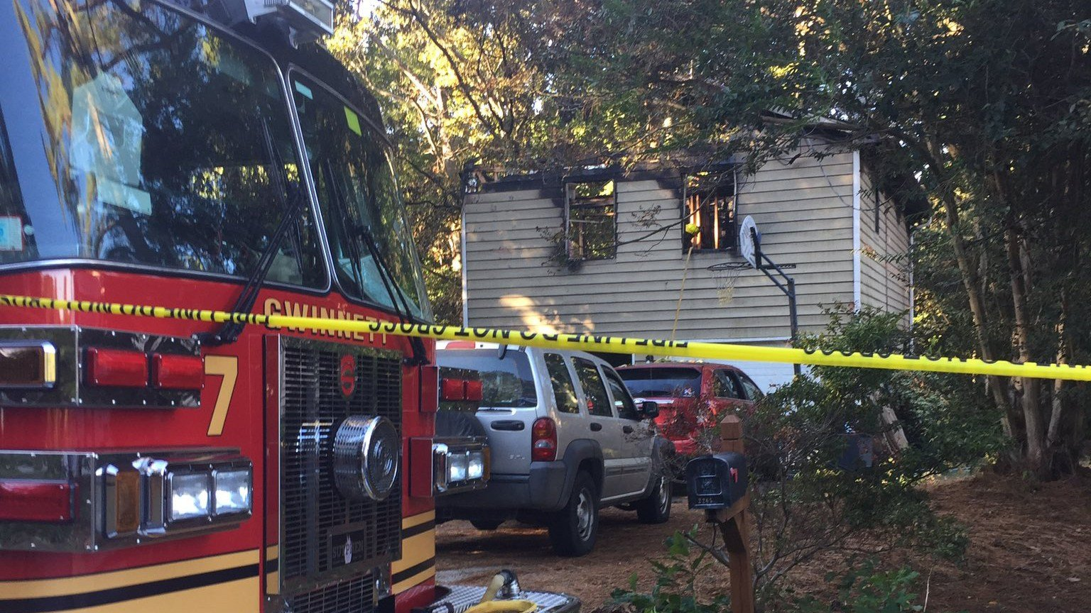 Five people died after an overnight house fire in Duluth on Sunday, Oct 23, 2016. (SOURCE: WGCL)
