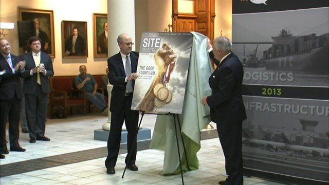 Governor Nathan Deal unveiling at press conference. (Source: WGCL)