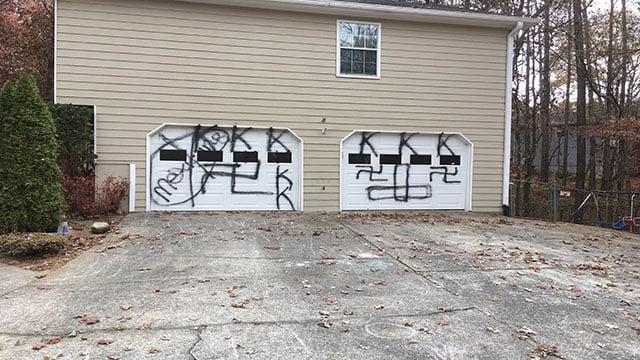 KKK spray painted on Acworth home. (WGCL)