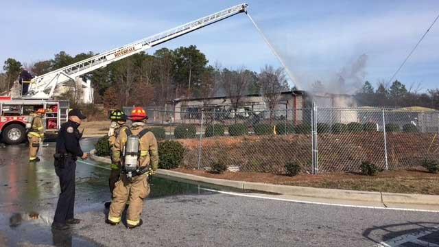 Car wash burns to the ground in riverdale cbs46 news solutioingenieria Image collections