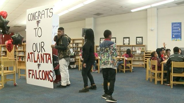 Middle school students sign giant greeting card for falcons wtvm middle school students sign giant greeting card for falcons wtvm columbus ga news weather sports m4hsunfo