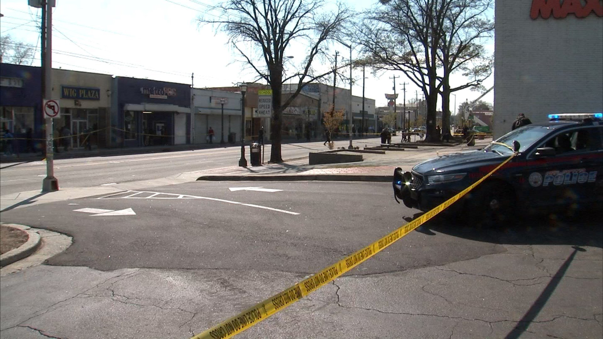 Three people were shot at the Mall West End in Atlanta on Friday, March 17, 2017. (SOURCE: WGCL)