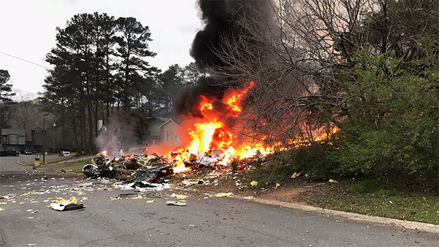 Plane crashes into house in Georgia