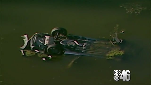 East Fayetteville Auto >> 3 killed after car goes into pond following police chase - CBS46 News