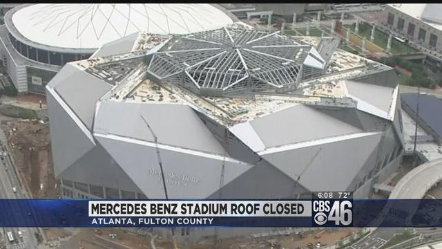 Mercedes benz stadium roof closes for first time cbs46 news for Mercedes benz stadium roof