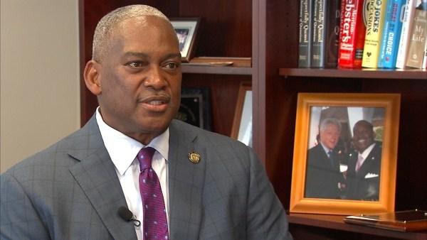 State Senator Emanuel Jones (Source: WGCL)