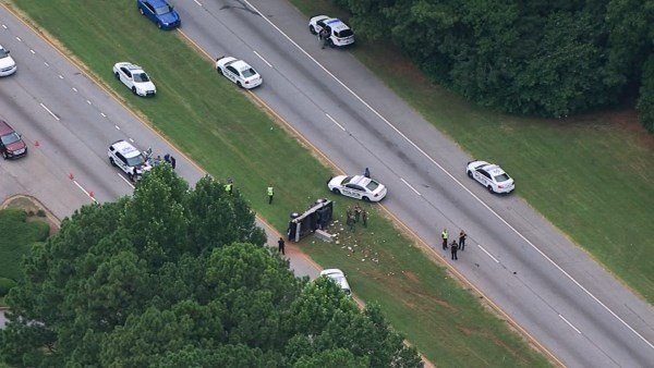 Suspect crashes after patrol vehicle stolen in Gwinnett County