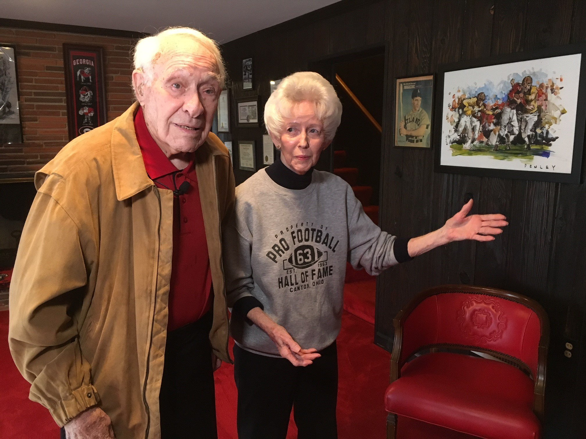 Charley Trippi with his wife Peggy. (Source: WGCL)