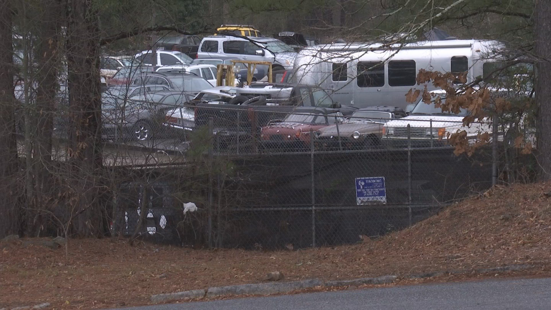 Illegal junkyard owner\'s conflict with neighborhood leads to rus ...