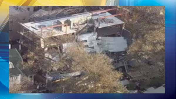 Trapped workers rescued from NYC building collapse - CBS46 ...