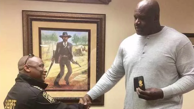 Shaquille O'Neal and Sheriff Victor Hill (Source: WGCL)