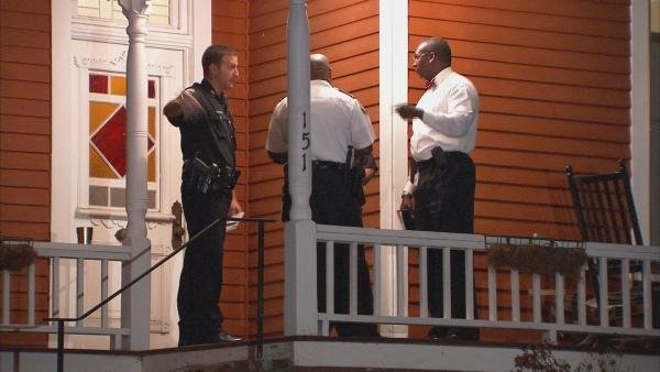 Mark Melvin/CBS Atlanta- Detectives investigate a report of a home invasion and kidnapping last week.