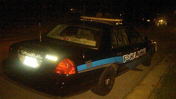 Mark Melvin/CBS Atlanta- Fulton police investigate a drive by shooting that injured a teen early Monday.