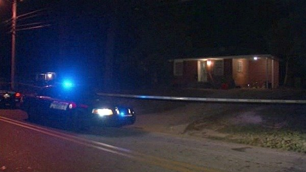 Mark Melvin/CBS Atlanta- Police investigate a scene where a man was shot multiple times early Thursday.
