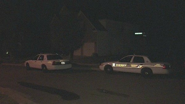 Joe Holland/CBS Atlanta- Police Investigate the scene of a home invasion in Holly Springs Monday.