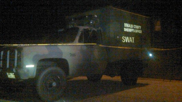 Mark Melvin/CBS Atlanta- DeKalb County SWAT was called to the scene of a standoff late Tuesday night.