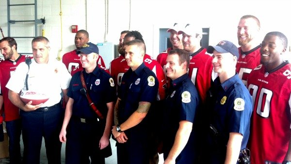 Atlanta Falcons meet with Gwinnett County firefighters
