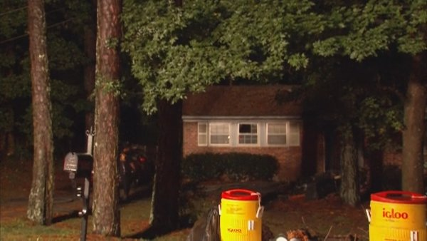 Mark Melvin/CBS Atlanta-  A mother and three children escaped this early morning fire without injury.