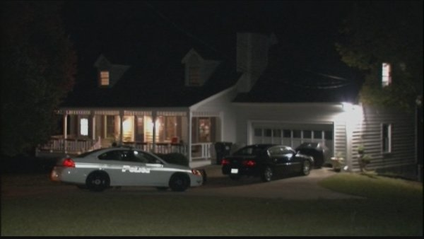 Mark Melvin/CBS Atlanta- Gwinnett police were called to a Buford home in search of a man wanted for aggravated assault.
