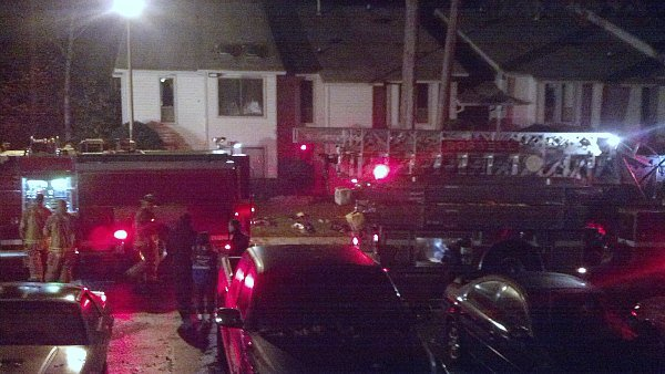Richard Breaden/CBS Atlanta- Roswell fire crews work to extinguish an overnight apartment fire.