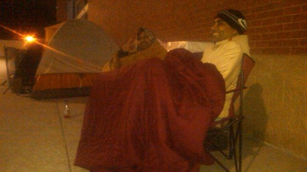 Shoppers camp out at Best Buy in Buckhead on Thanksgiving morning