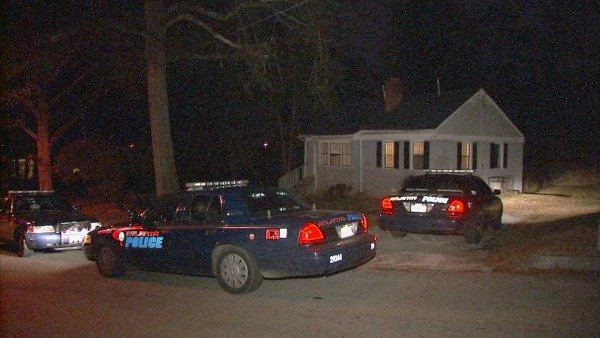Mark Melvin/CBS Atlanta- A man was tied up and robbed at his northwest Atlanta home.