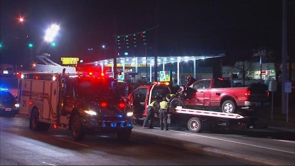 Mark Melvin/CBS Atlanta- Norcross police investigate a serious crash on Jimmy Carter Boulevard early Tuesday.