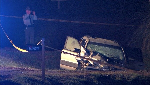Mark Melvin/CBS Atlanta- Georgia state troopers investigate a double fatal crash late Thursday night.