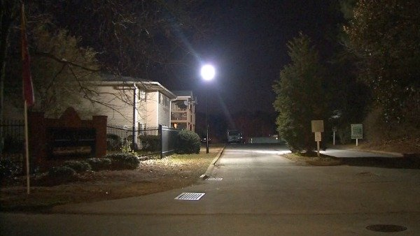 Mark Melvin/CBS Atlanta- A man was found dead inside this southwest Atlanta apartment complex.
