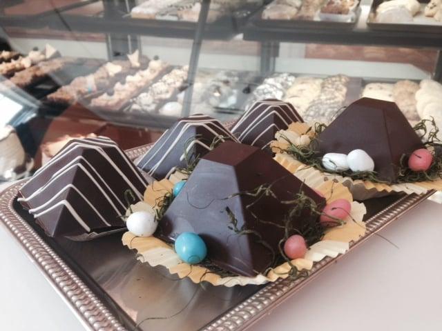 Chocolate pyramids