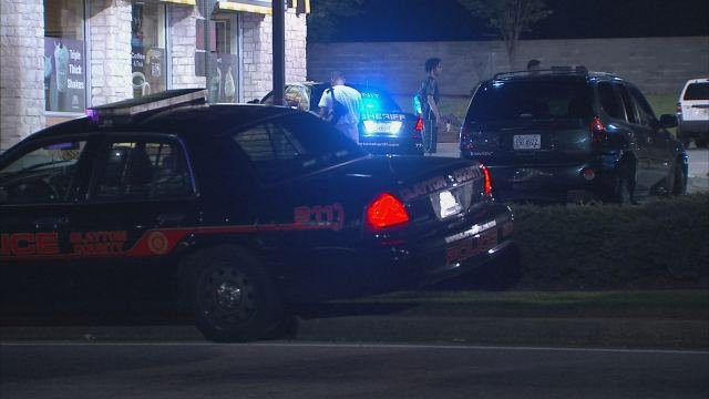 Police investigate shooting at McDonald's in Morrow