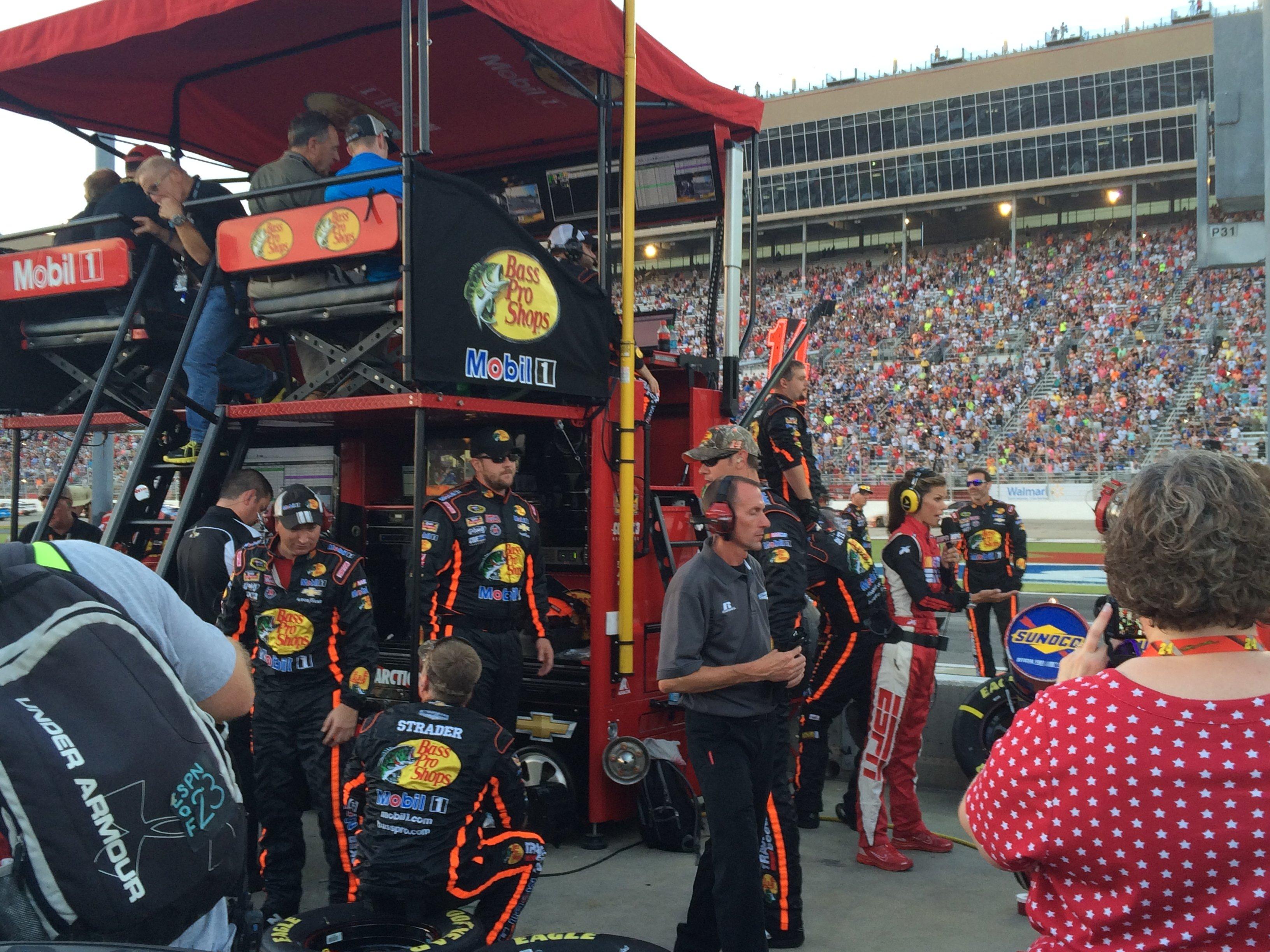 Stewart Returns To Racing At Atlanta Motor Speedway