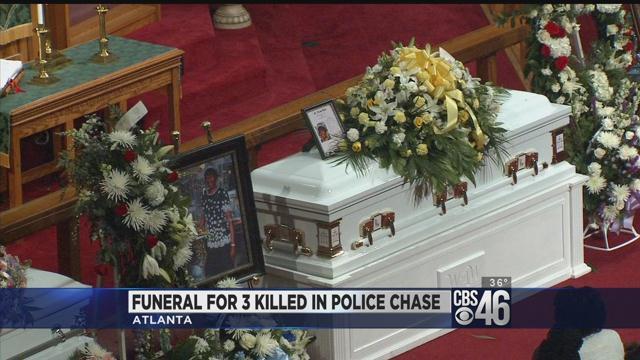 Funeral held for grandmother, grandchildren killed in crash